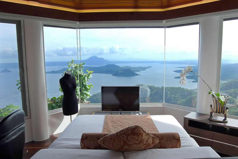 The Romantic Honeymoon Suite